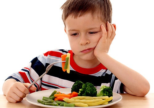 niño-comiendo-verduras