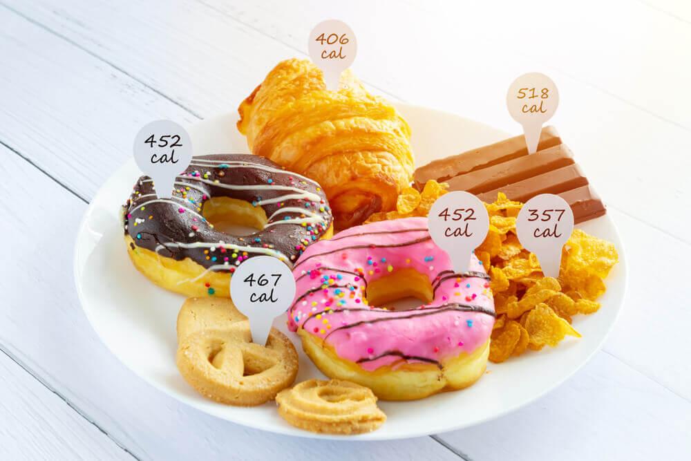 Los dulces con alto contenido de azúcar producen caries.