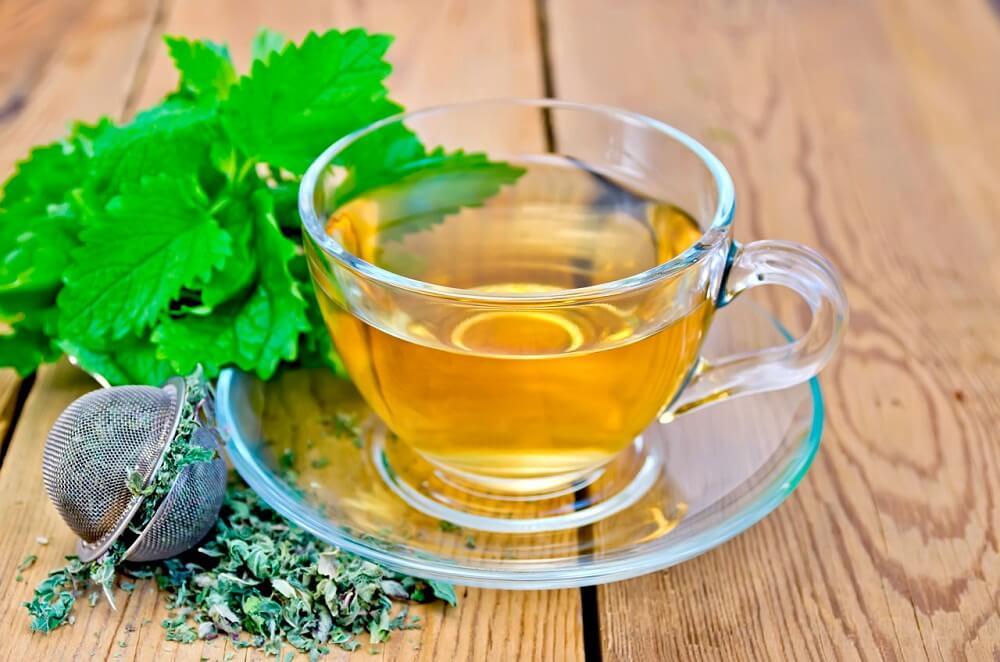 Infusión de melisa para aliviar el estrés