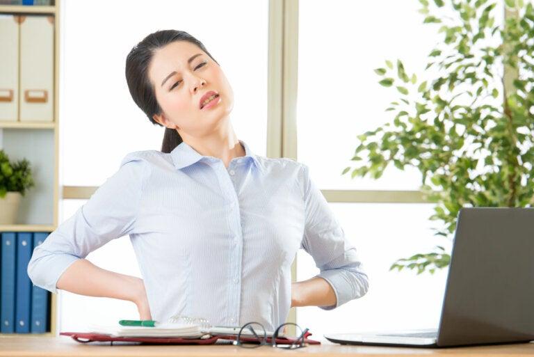 10 prácticas eficaces para aliviar el dolor de espalda