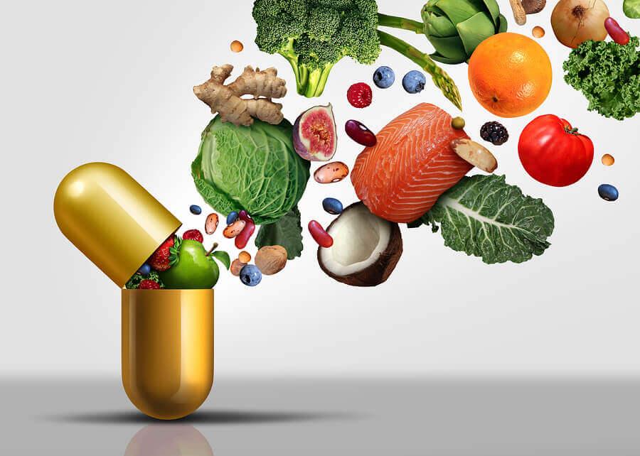 Nutrientes saliendo de una vitamina