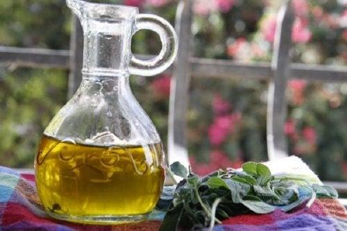 Aceite esencial de orégano para combatir la clamidia.