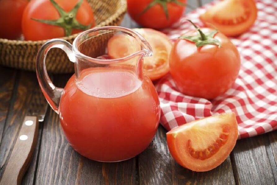 Jugo de tomate para abrir el apetito