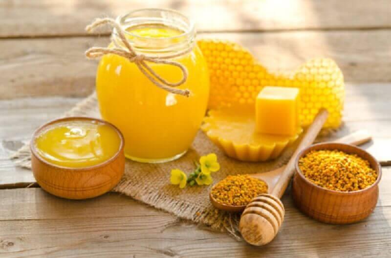 Ungüento de cera de abejas y vitamina E