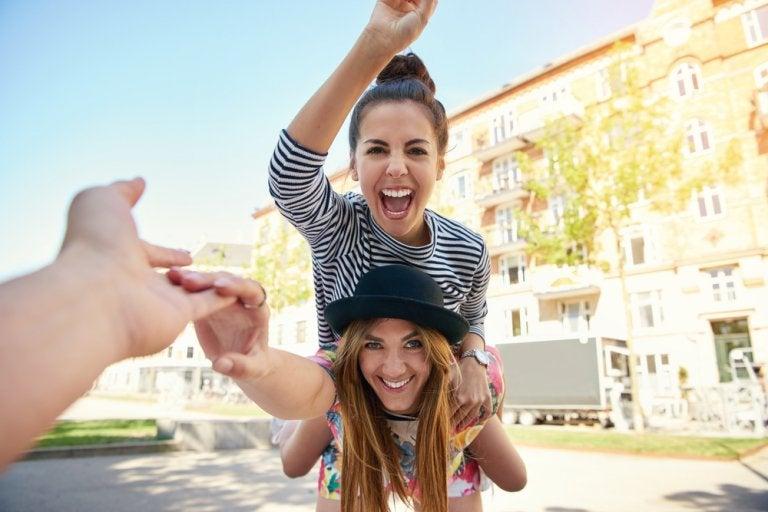 10 beneficios de ser extrovertido