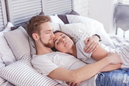 6 problemas del sueño que afectan a tu relación de pareja