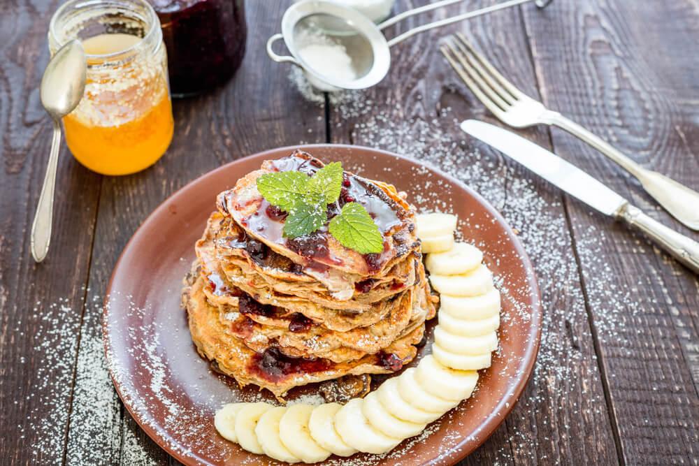 Desayuna sano Tortitas de avena, plátano, cacao y aceite de coco