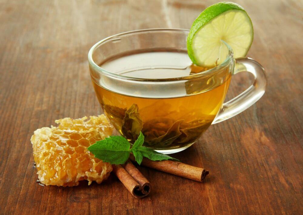 Infusión de menta y canela para regular el azúcar