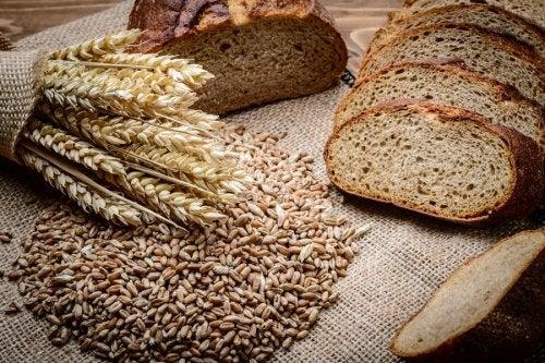 Granos y pan de centeno