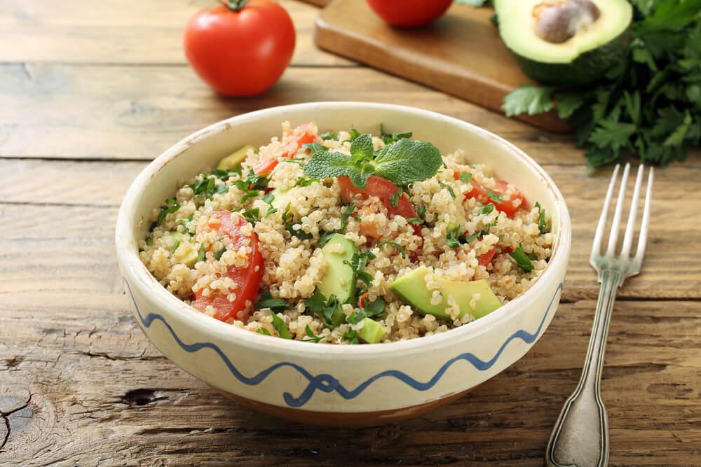 Quinoa y guacamole cenas para perder peso