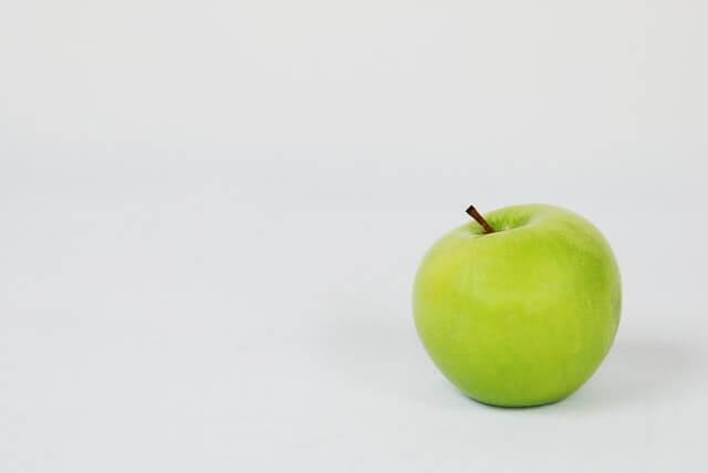 Beneficios de comer una manzana verde a diario.
