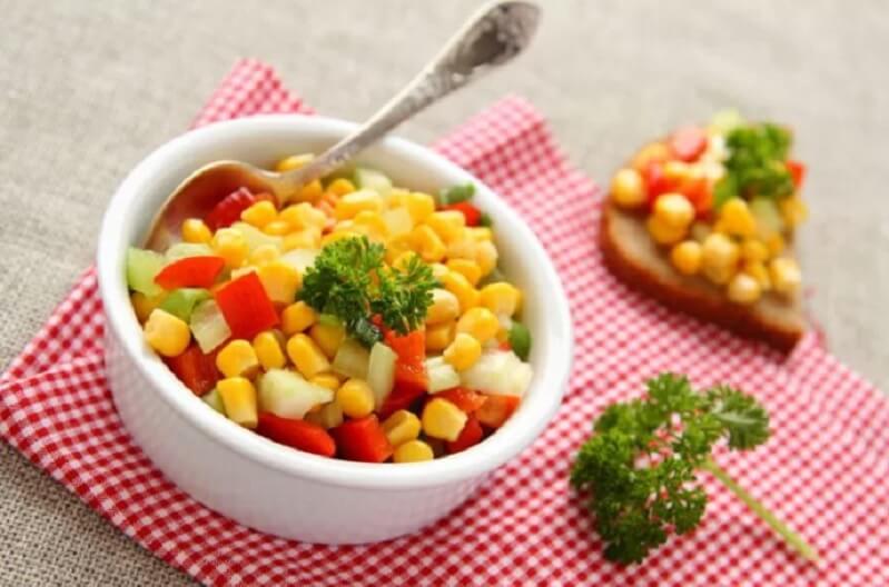 Plato de maíz dulce