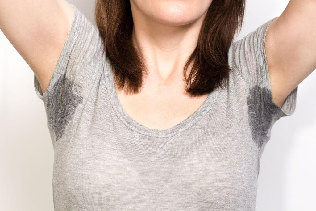La hiperhidrosis crónica puede causar sudoración nocturna