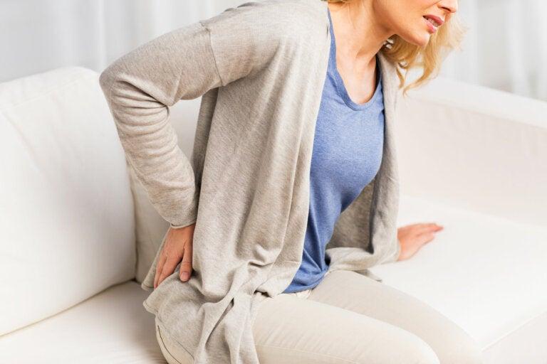 6 formas en que tu rutina diaria empeora tu dolor de espalda