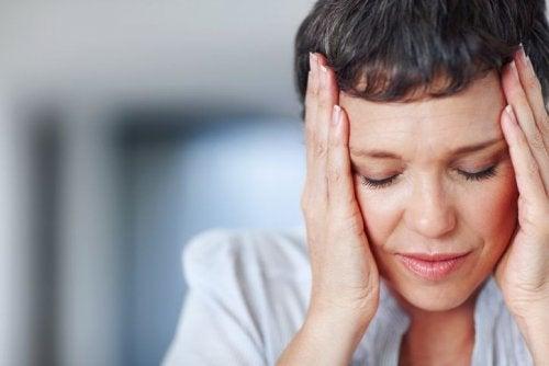 el estrés puede causar inflamación de las glándulas