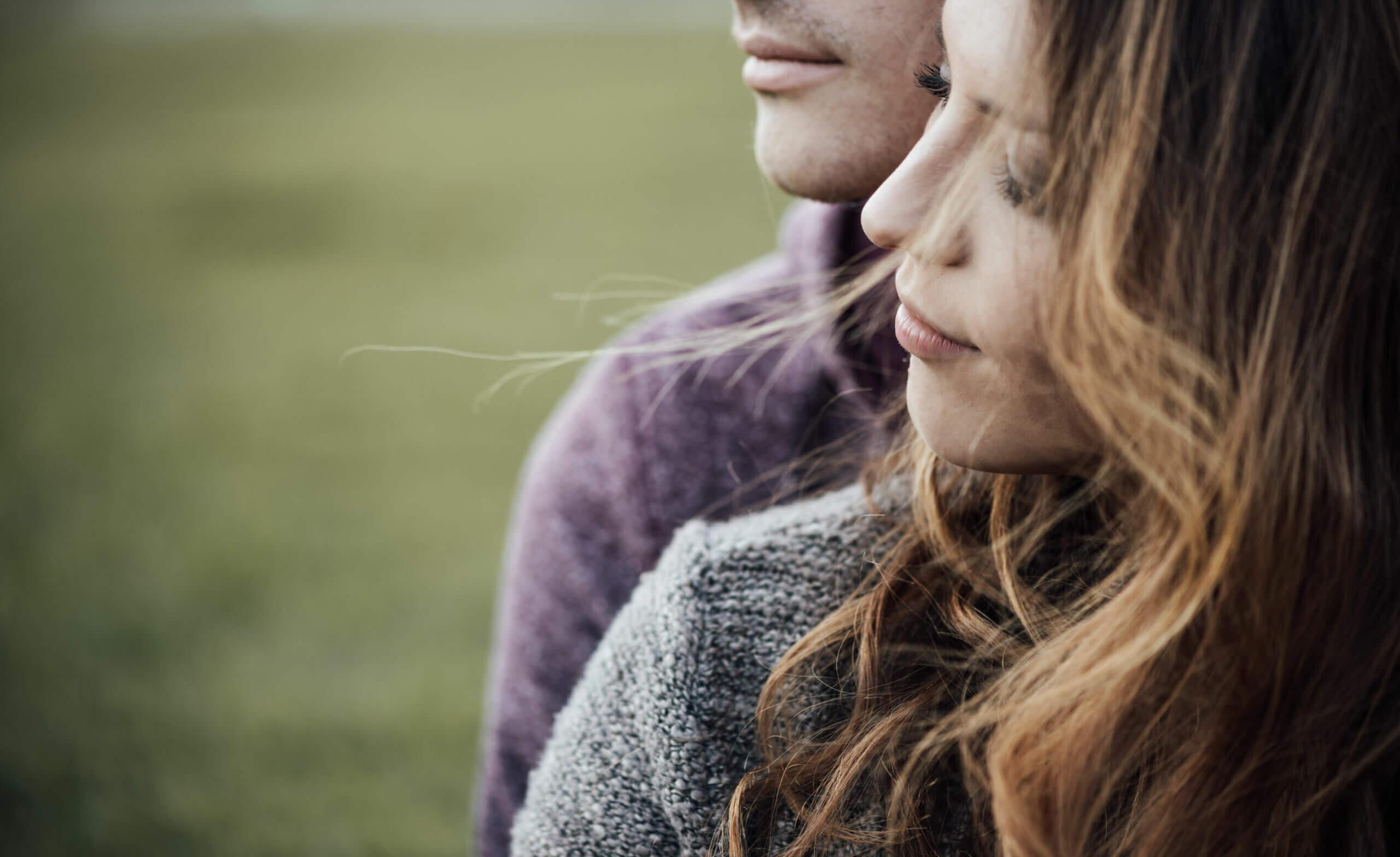 Si bien el amor no se busca de forma activa, sí es necesario estar atentos a las posibilidades.