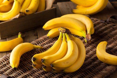 El plátano tiene mucho aporte calórico.
