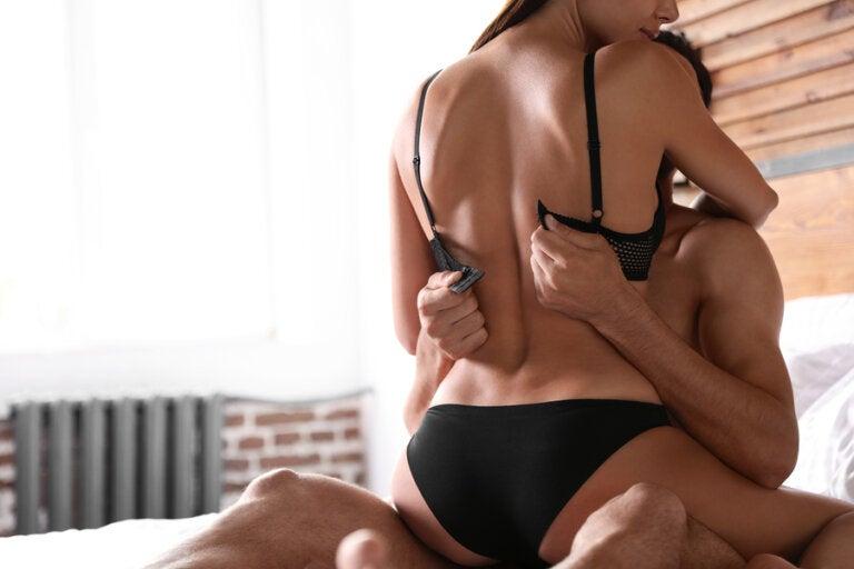 11 pasos para lograr un orgasmo a través de la estimulación de los senos