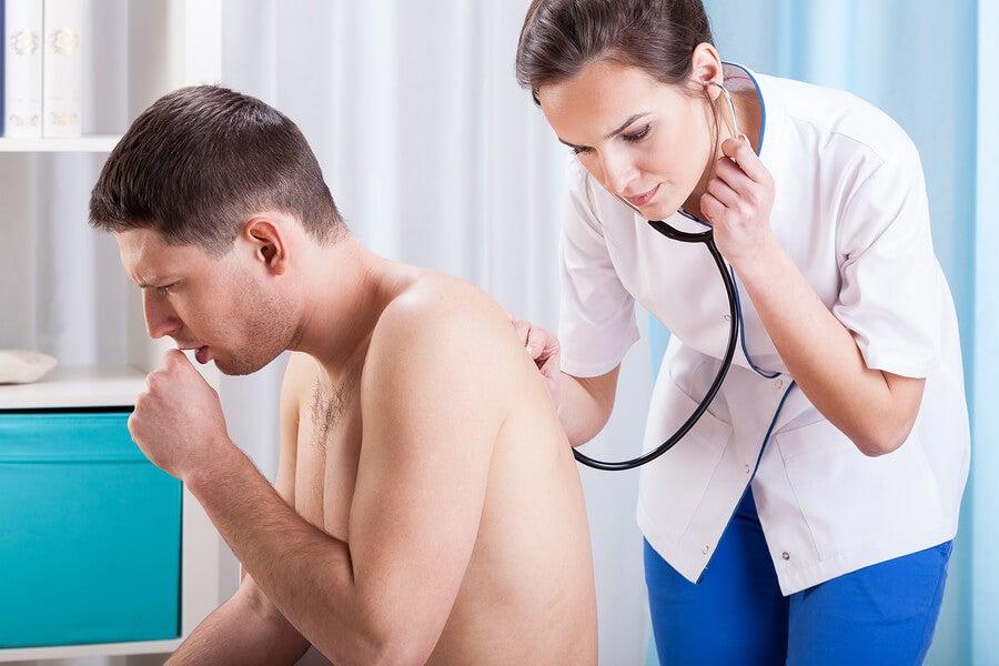 ¿Por qué se produce la tos?