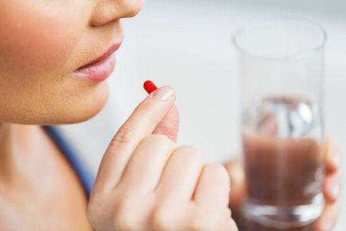 El piroxicam es un fármaco utilizado principalmente por vía oral