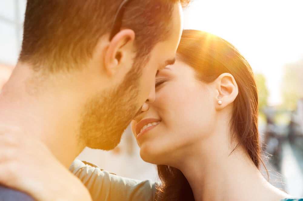 ¿Es posible llegar al orgasmo con un beso?