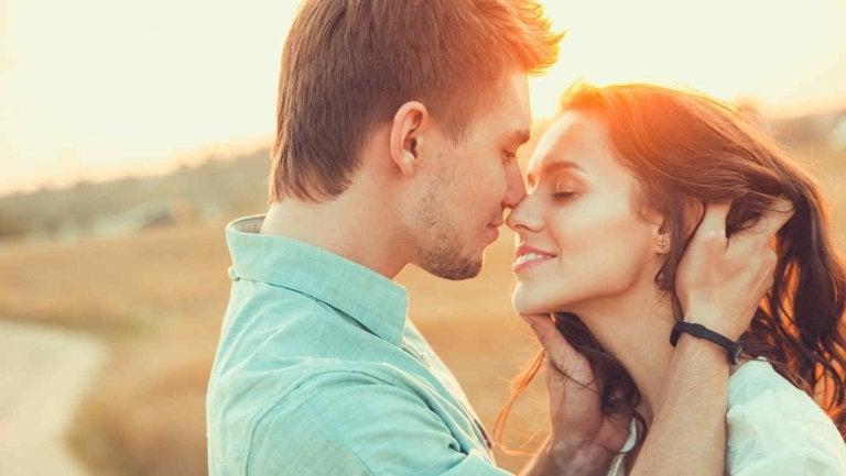 5 sorprendentes cosas que pasan en tu cuerpo cuando te enamoras