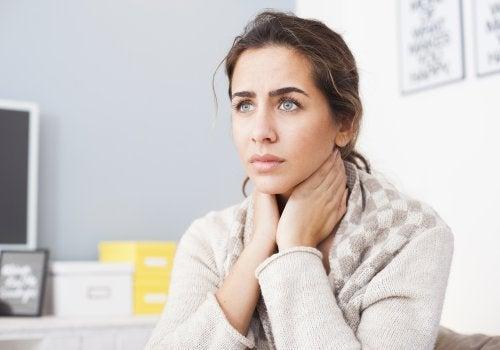 6 remedios naturales inmediatos para calmar la afonía