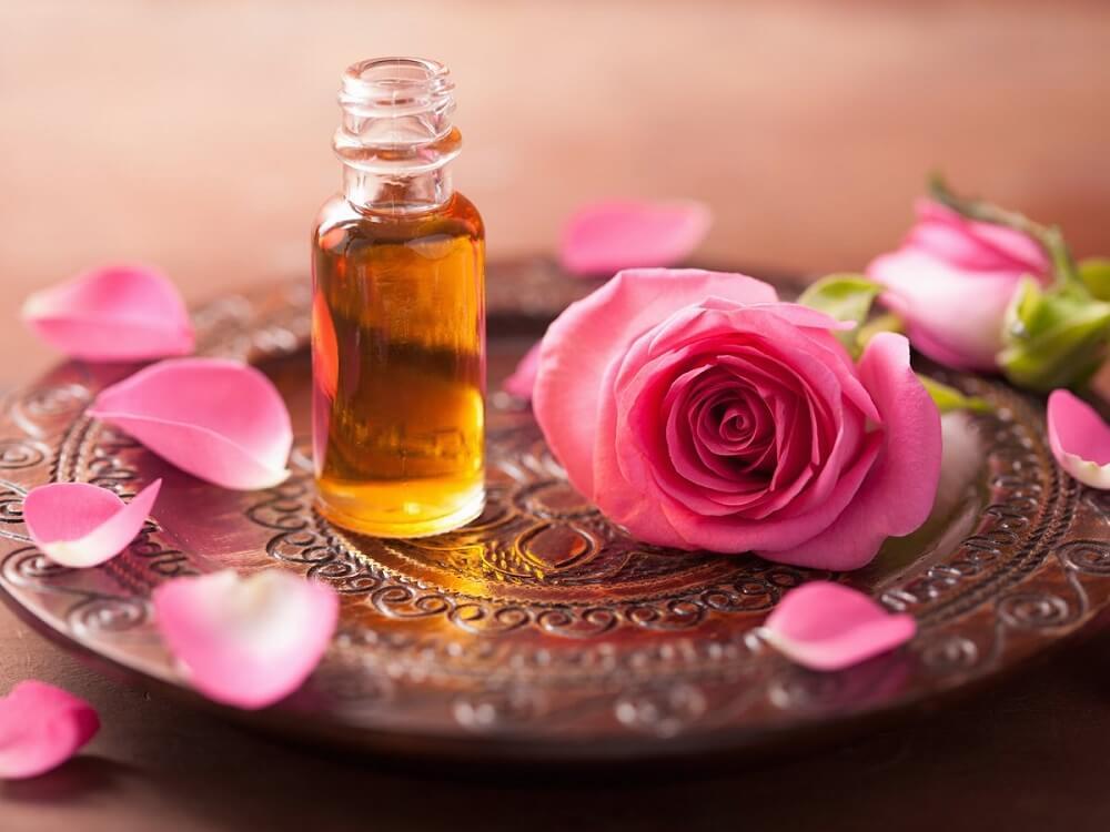 Aceites afrodisíacos: aceite de rosas