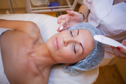 Cirugía lifting facial