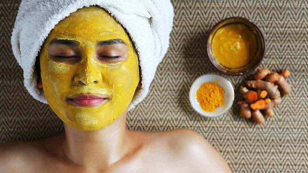 5 mascarillas con cúrcuma para eliminar las cicatrices por acné