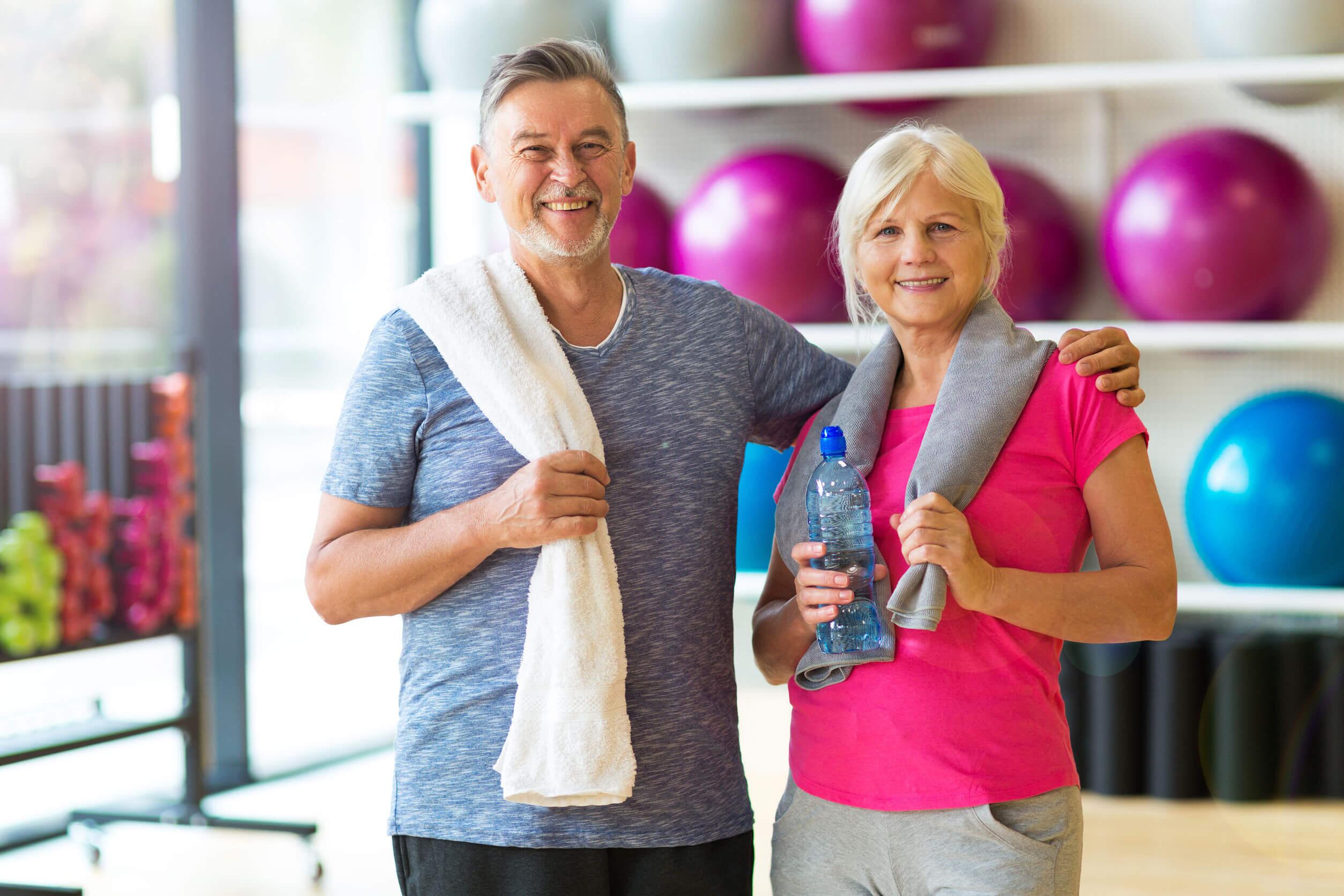 Hacer ejercicio después de los 50 es un excelente hábito para mantener un buen estado de salud.