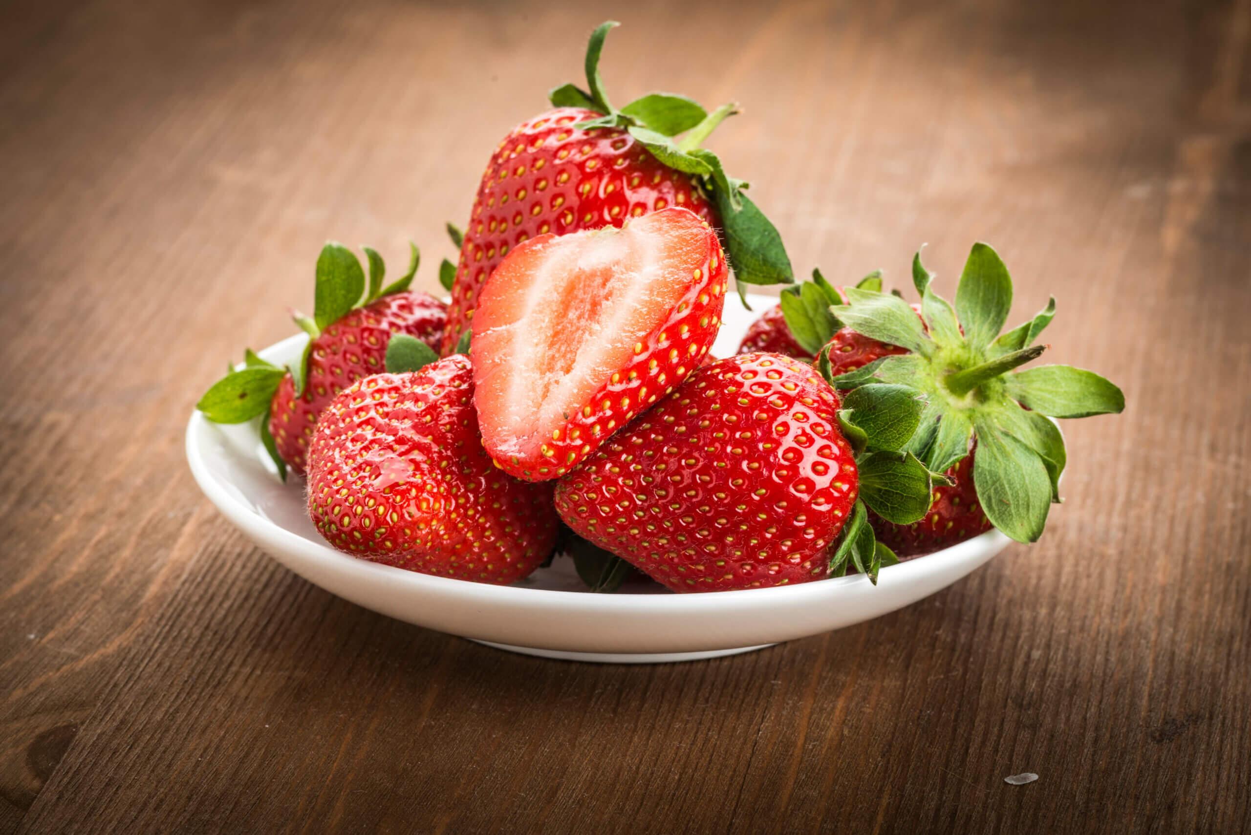 Las fresas son frutas deliciosas.