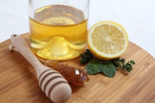 5 recetas con miel y limón para tener un cuerpo y piel sanos
