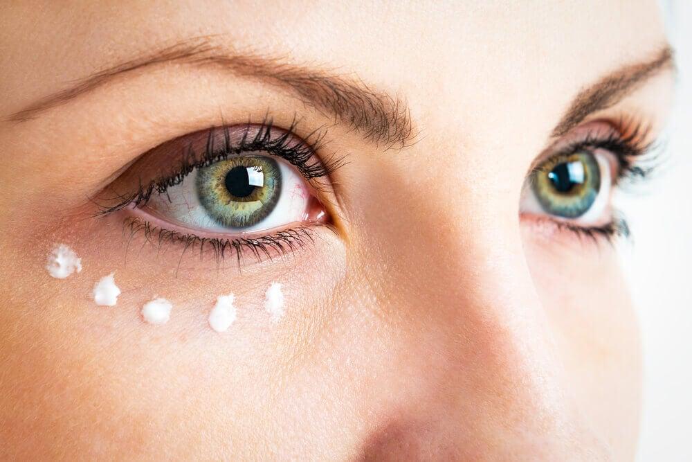 Contorno de los ojos