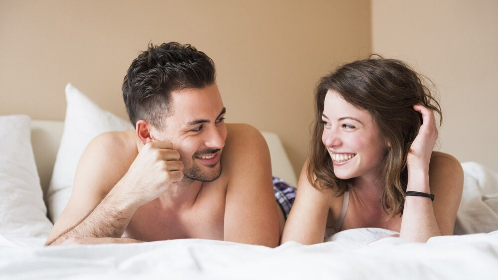 pareja-hablando