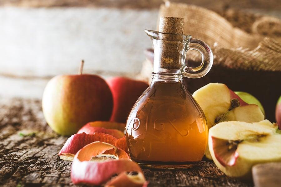 El vinagre de manzana no ayuda a bajar de peso.