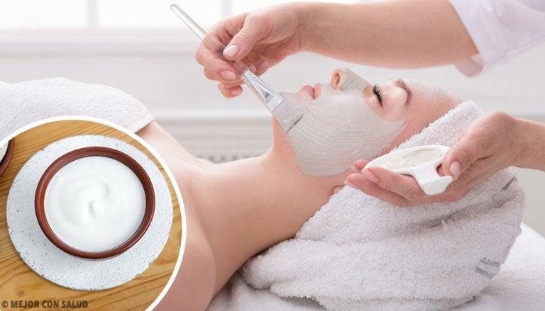 3 mascarillas con menta y yogur para refrescar la piel del rostro