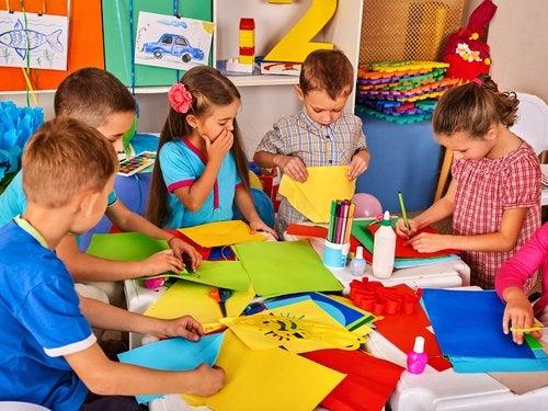 7 juguetes hechos con material reciclado para niños