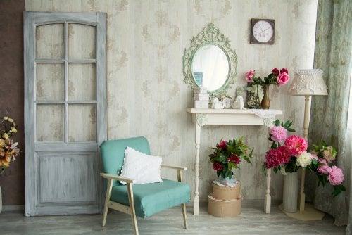 Decoración de interiores con muebles vintage reciclados
