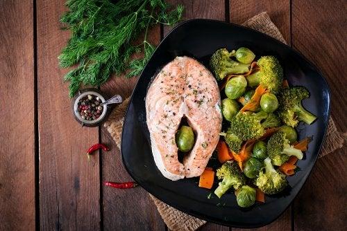 salmón con vegetales
