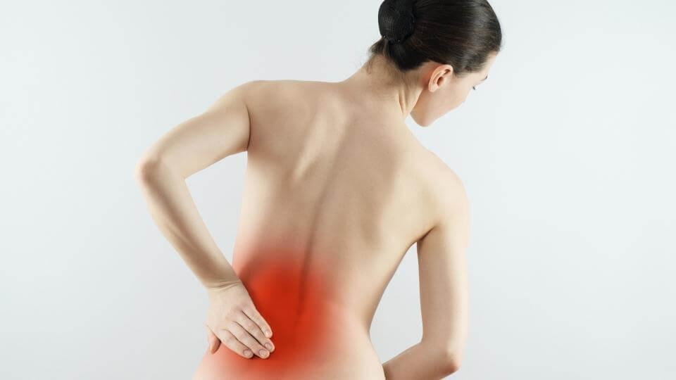 El dolor lumbar puede deberse a artrosis.