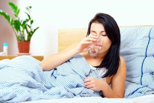 Hábitos saludables en ayunas: Tomar agua
