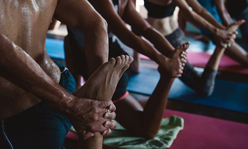 5 ejercicios tibetanos para trabajar todos los músculos en 10 minutos