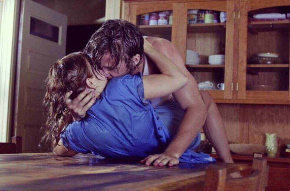 La cocina te ofrece muchas posturas para hacer el amor