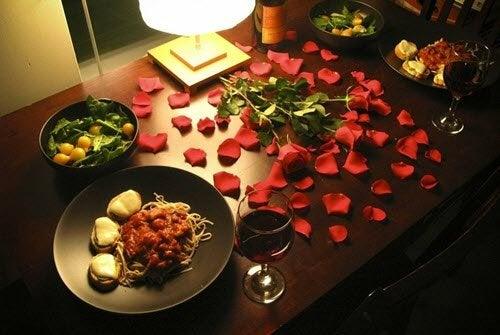4 diferentes formas de decorar una cena romántica