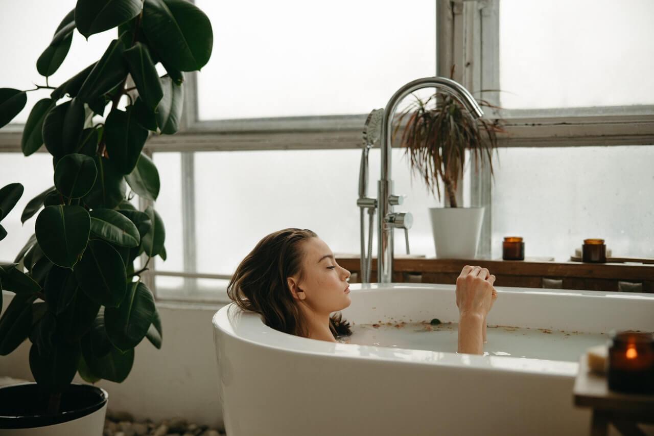 10 razones por las que un baño caliente es saludable