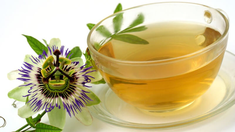 Remedios naturales para el dolor de cabeza: té de pasiflora