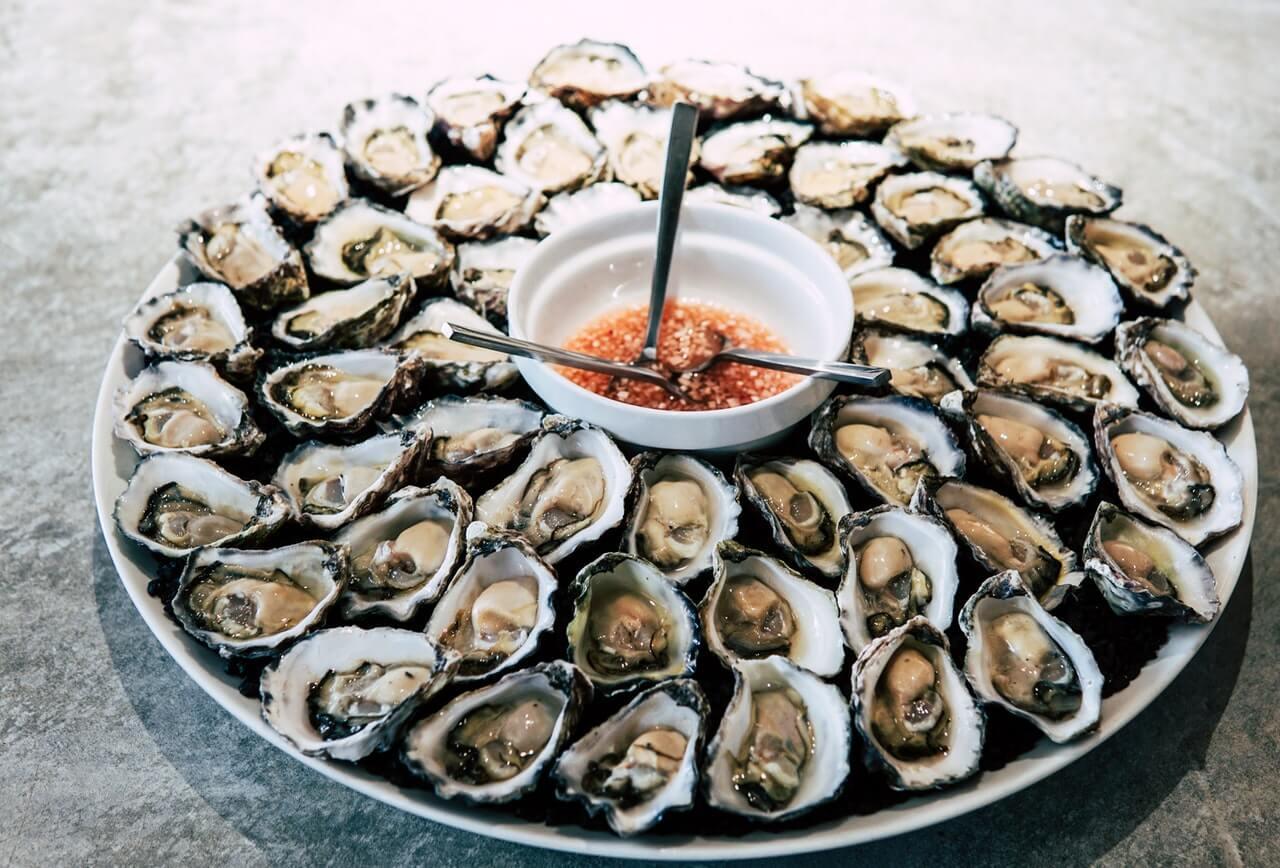 Plato con ostras.