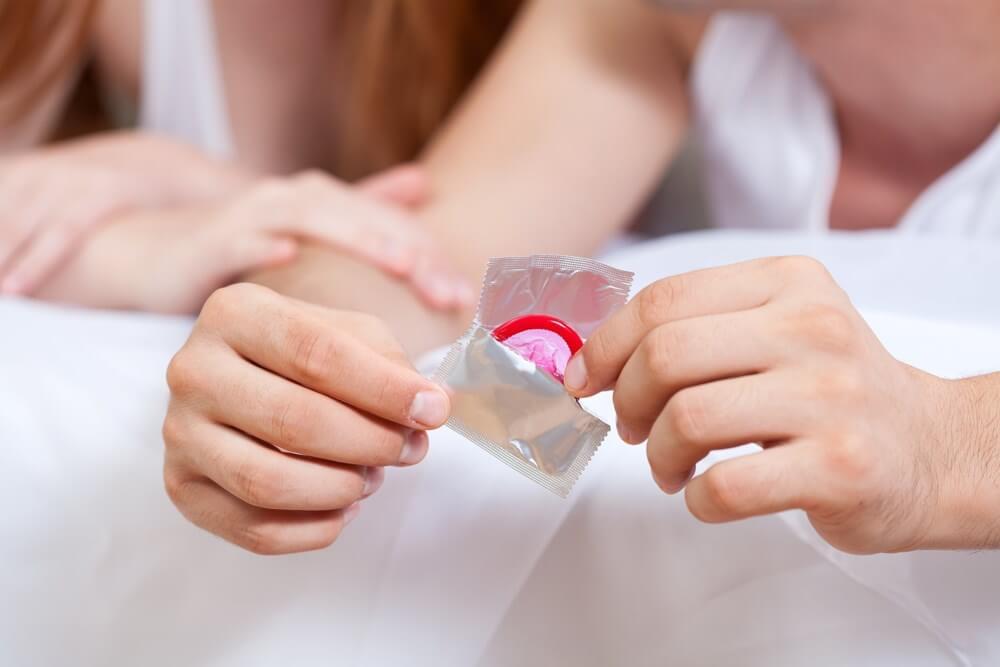 Preservativo adecuado para hacer el amor en el baño