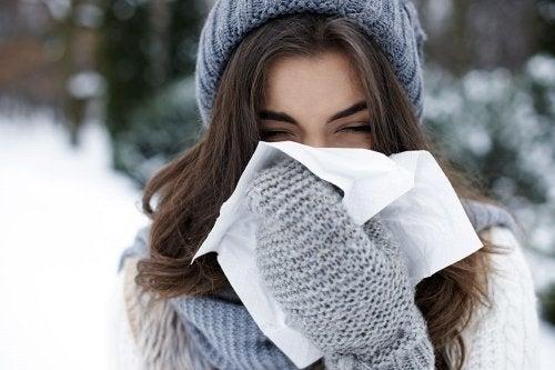 Abrigarnos bien y acorde con la tempratura nos ayudará a evitar los resfriados.